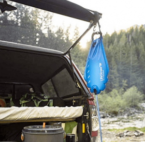 Outdoors gravity water filter