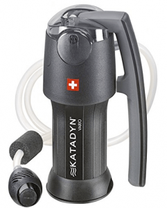 Handpump portable water filtration system mechanism